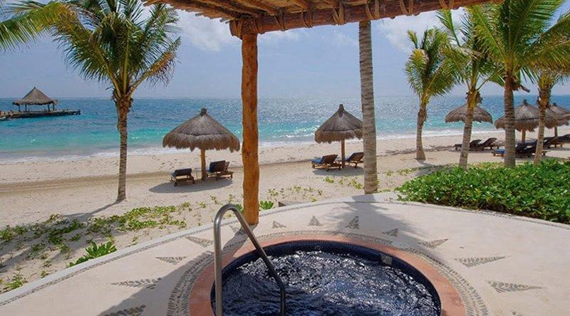 Master Suite & Plunge Pool - Desire Riviera Maya Pearl Resort