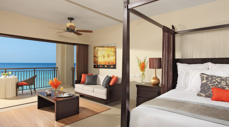 Junior Suite Ocean Front - Secrets Wild Orchid
