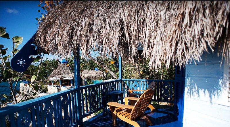 Sundancer 2 Bedroom Oceanfront Cottage - The Caves