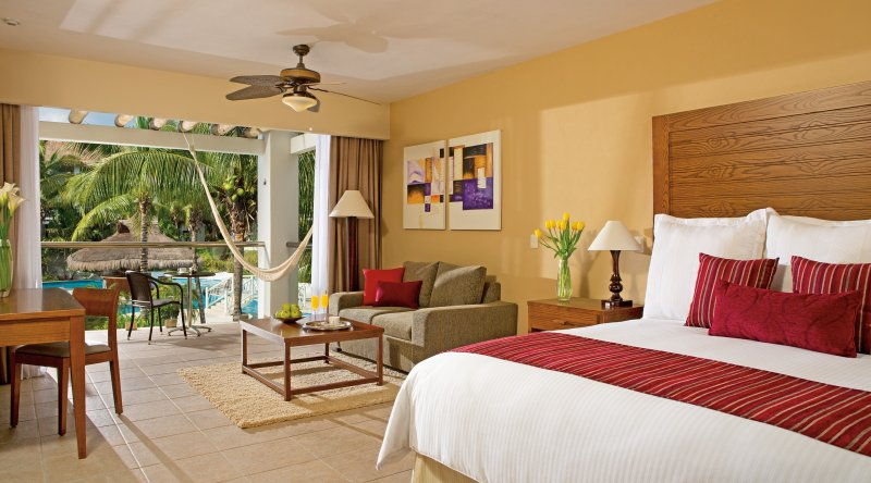Junior Suite Pool View - Secrets Aura Cozumel