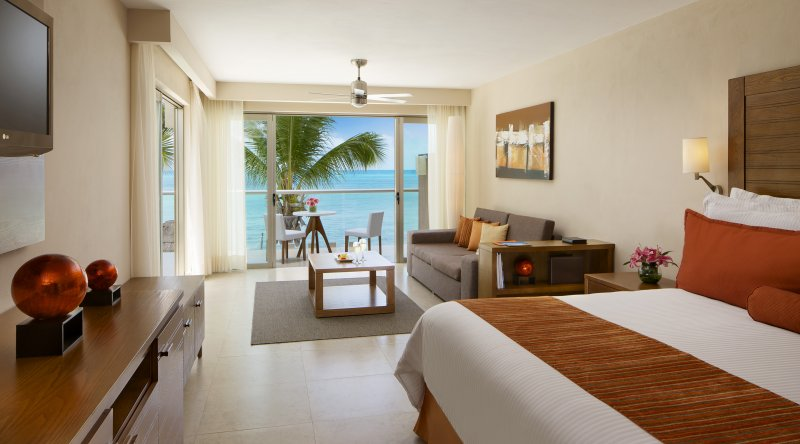 Preferred Club Junior Suite Ocean View - Secrets Aura Cozumel