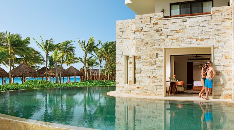 Preferred Club Junior Suite Swim Out Ocean Front - Secrets Akumal Riviera Maya
