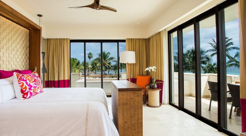 Romance Master Suite Ocean View - Secrets Akumal Riviera Maya