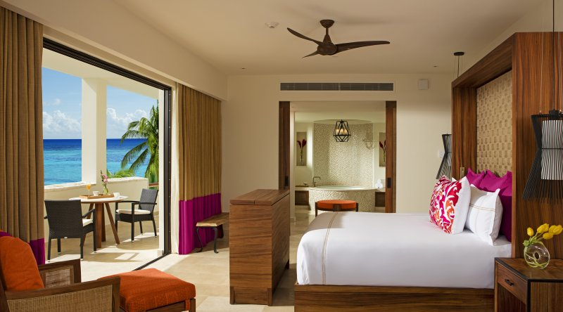 Romance Master Suite Ocean Front - Secrets Akumal Riviera Maya