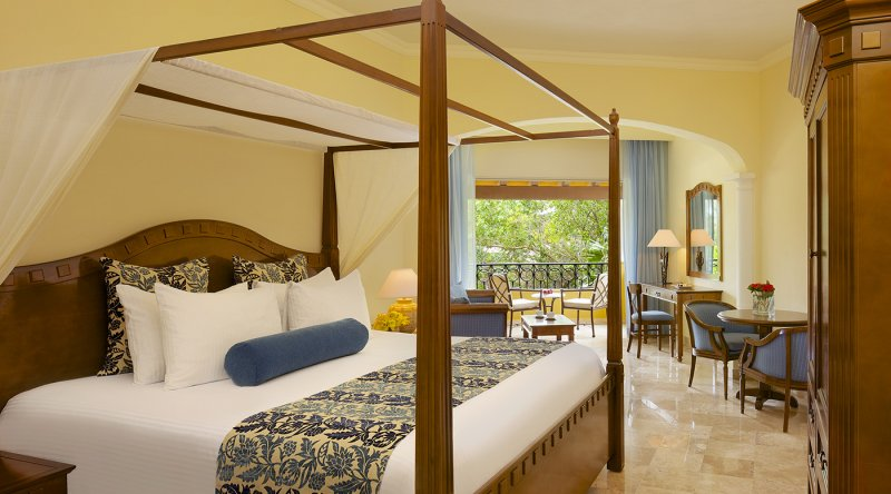 Preferred Club Junior Suite Tropical View - Secrets Capri Riviera Cancun