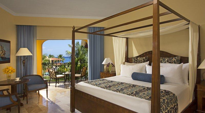 Preferred Club Deluxe Ocean View - Secrets Capri Riviera Cancun