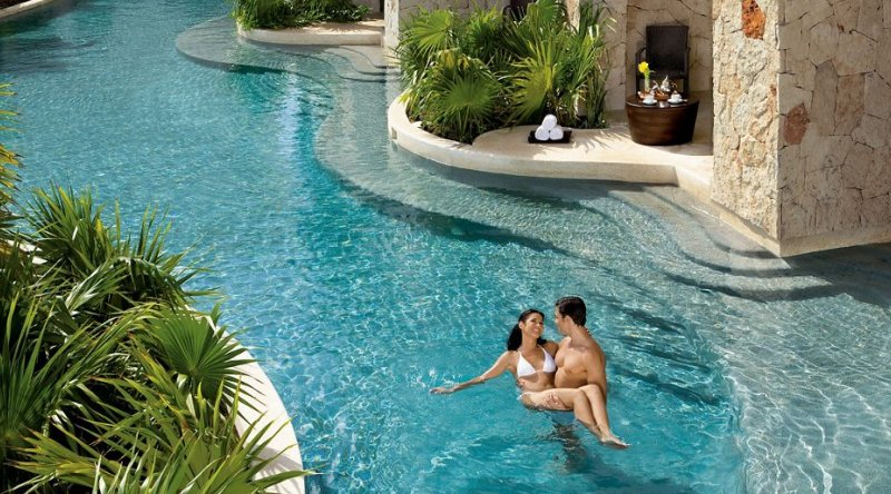 Preferred Club Junior Suite Swim Out - Secrets Maroma Beach