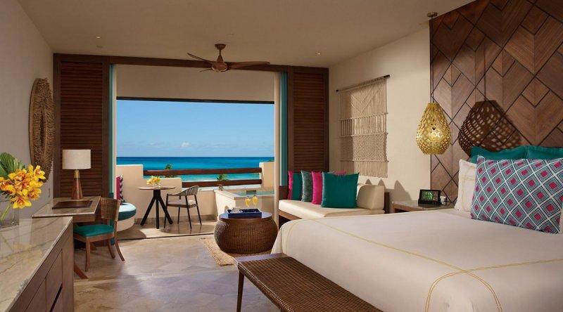 Preferred Club Junior Suite Ocean Front - Secrets Maroma Beach