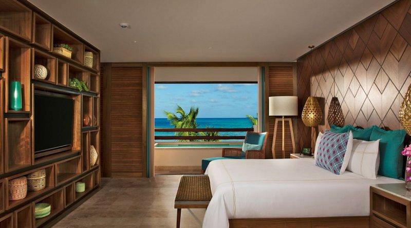 Preferred Club Honeymoon Suite - Secrets Maroma Beach