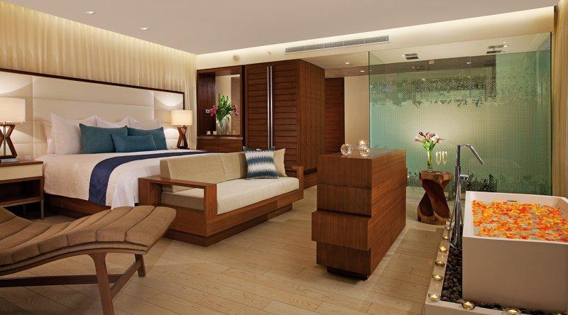 Honeymoon Suite Ocean Front - Secrets The Vine Cancun