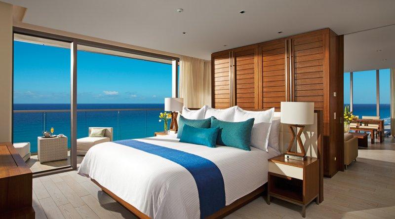 Master Suite Ocean Front - Secrets The Vine Cancun