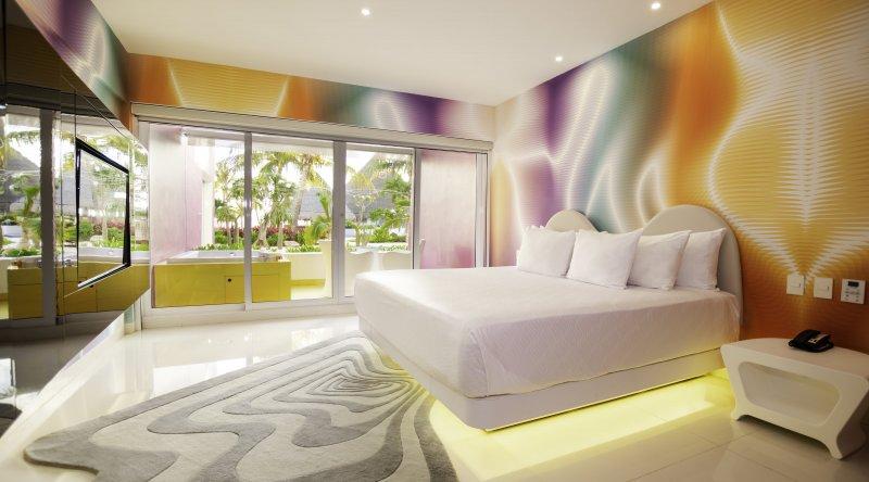 Plush Jacuzzi Room - Temptation Cancun Resort