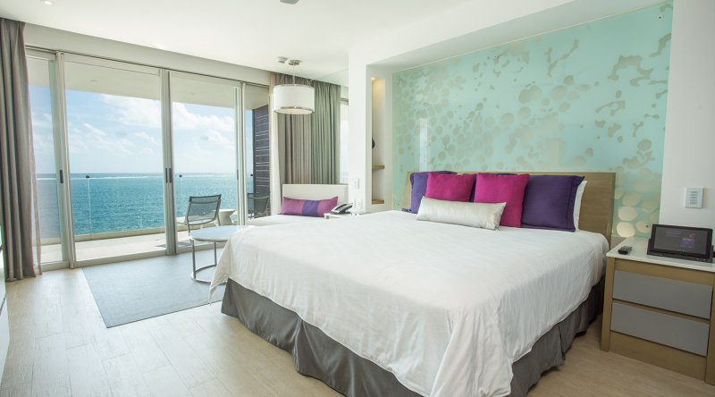 Allure Junior Suite Ocean Front - Breathless Riviera Cancun Resort & Spa