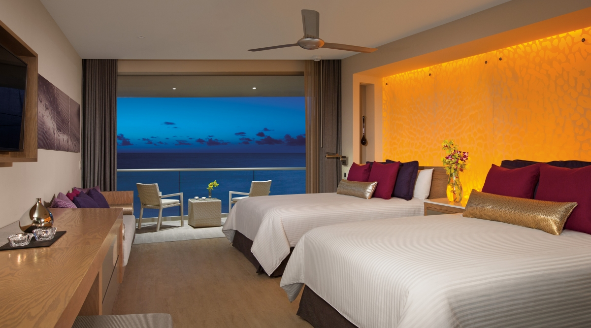 Xhale Club Junior Suite Ocean Front - Breathless Riviera Cancun Resort & Spa