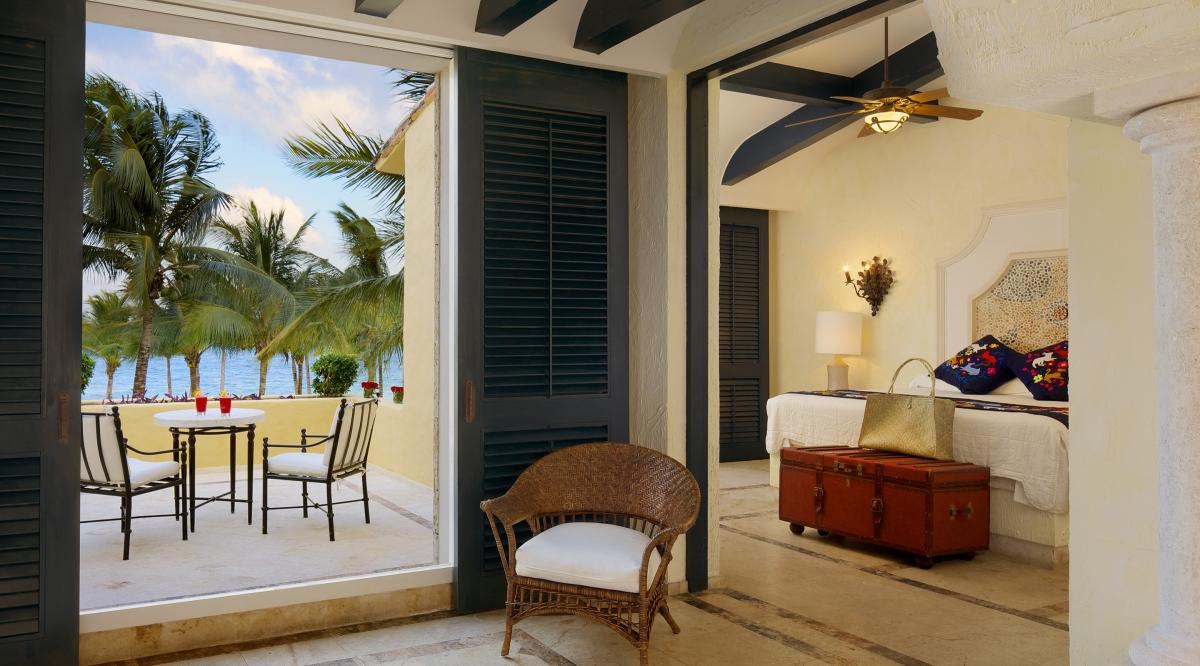 Romance Ocean Front One Bedroom Suite with Terrace Zoetry Paraiso de la Bonita