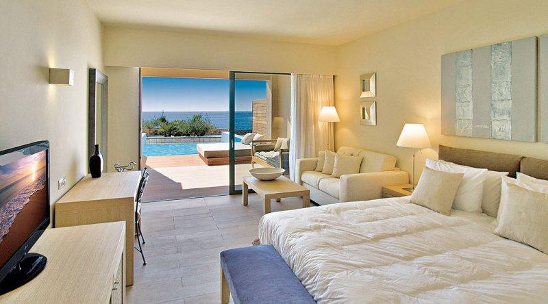 Seafront Private Pool Junior Suite Aquagrand