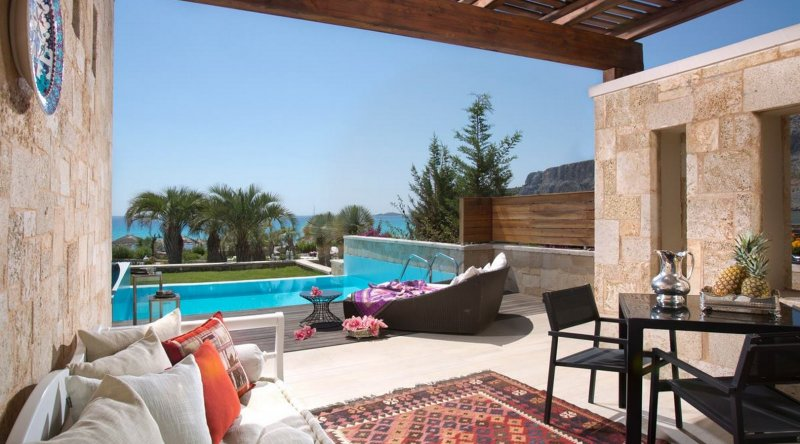 Prestige Seafront Suites with Private Pool or Jacuzzi Aquagrand