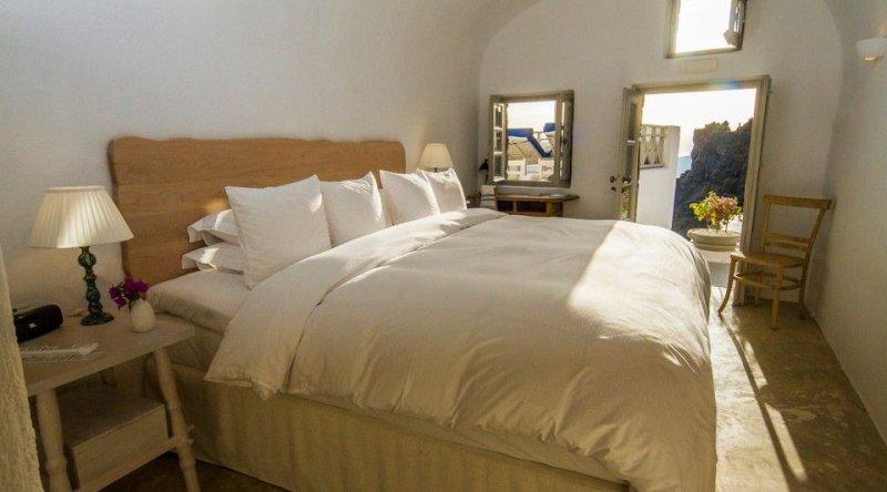 Deluxe Room Iconic Santorini