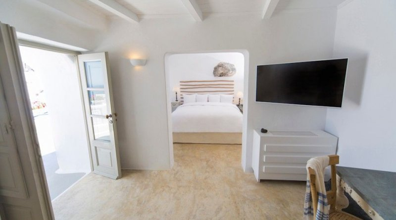Cycladic Suite Iconic Santorini
