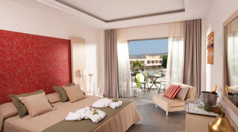 Superior Room Pool View Castello Boutique Resort & Spa