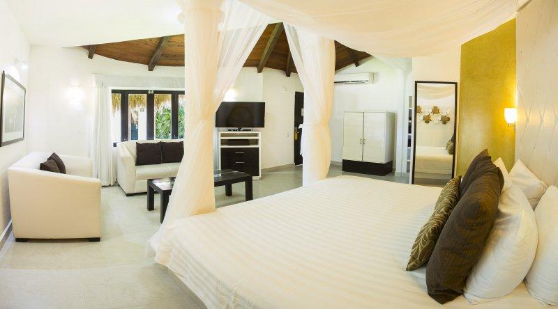 Deluxe Ocean View - Desire Riviera Maya Resort