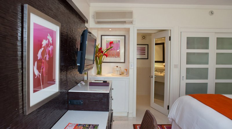 Garden View Room Crystal Cove by Elegant Hotels