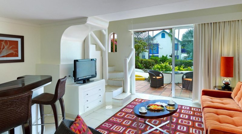 One Bedroom Suite Garden View - Crystal Cove by Elegant Hotels