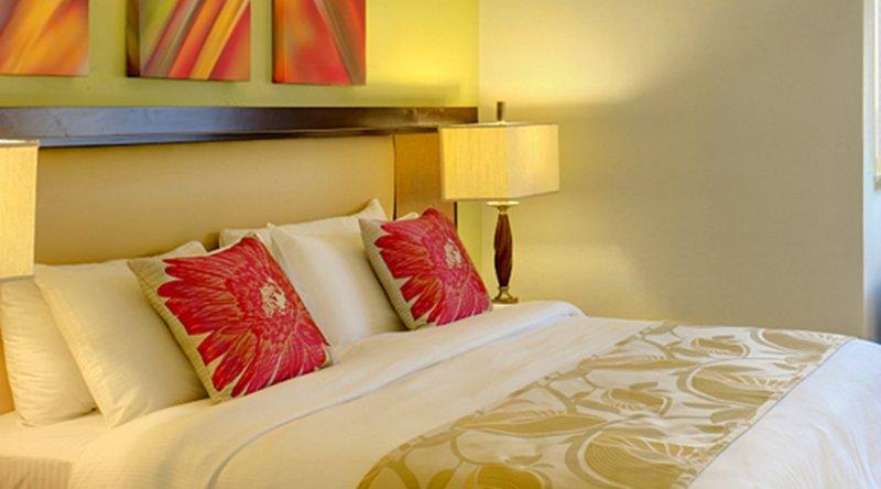 Pool or Garden View Room Tamarind by Elegant Hotels
