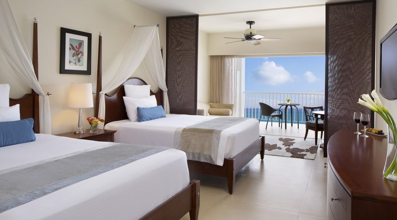 Junior Suite Ocean Front - Secrets St James Montego Bay