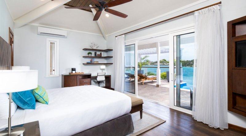 Waterfront Villa - Hammock Cove