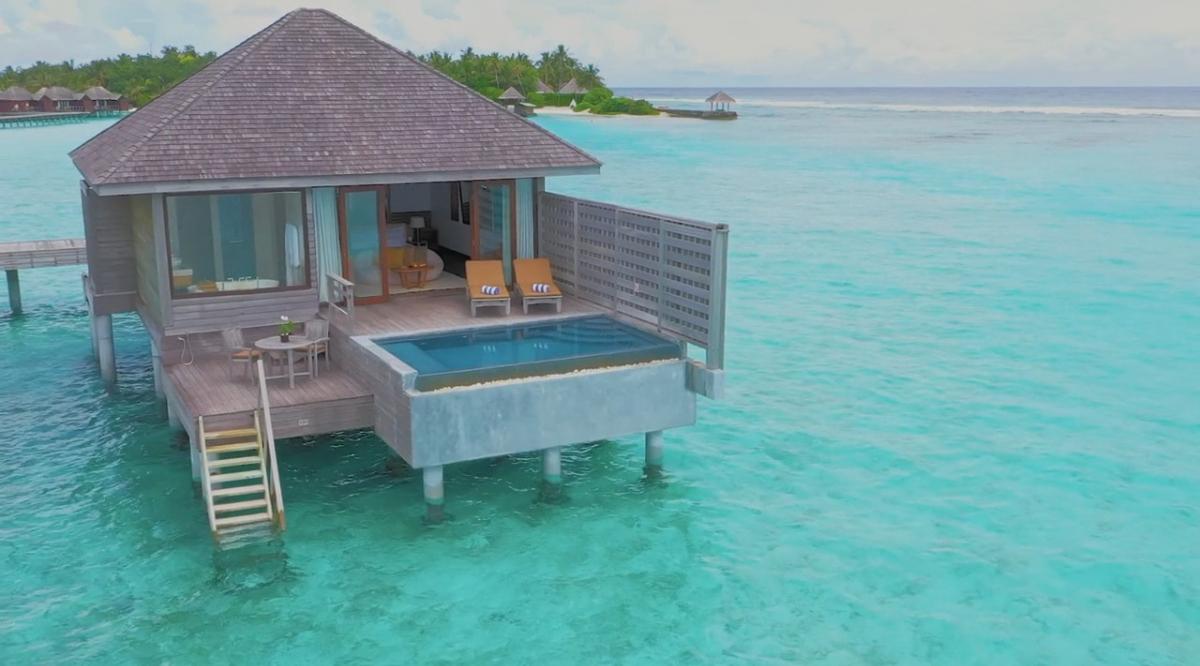 Deluxe Over Water Pool Bungalow - Anantara Veli Maldives Resort