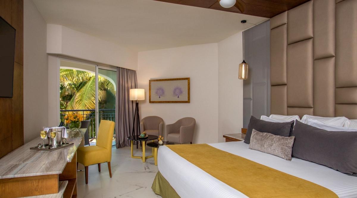 Preferred Club Junior Suite Tropical View Secrets Royal Beach Punta Cana