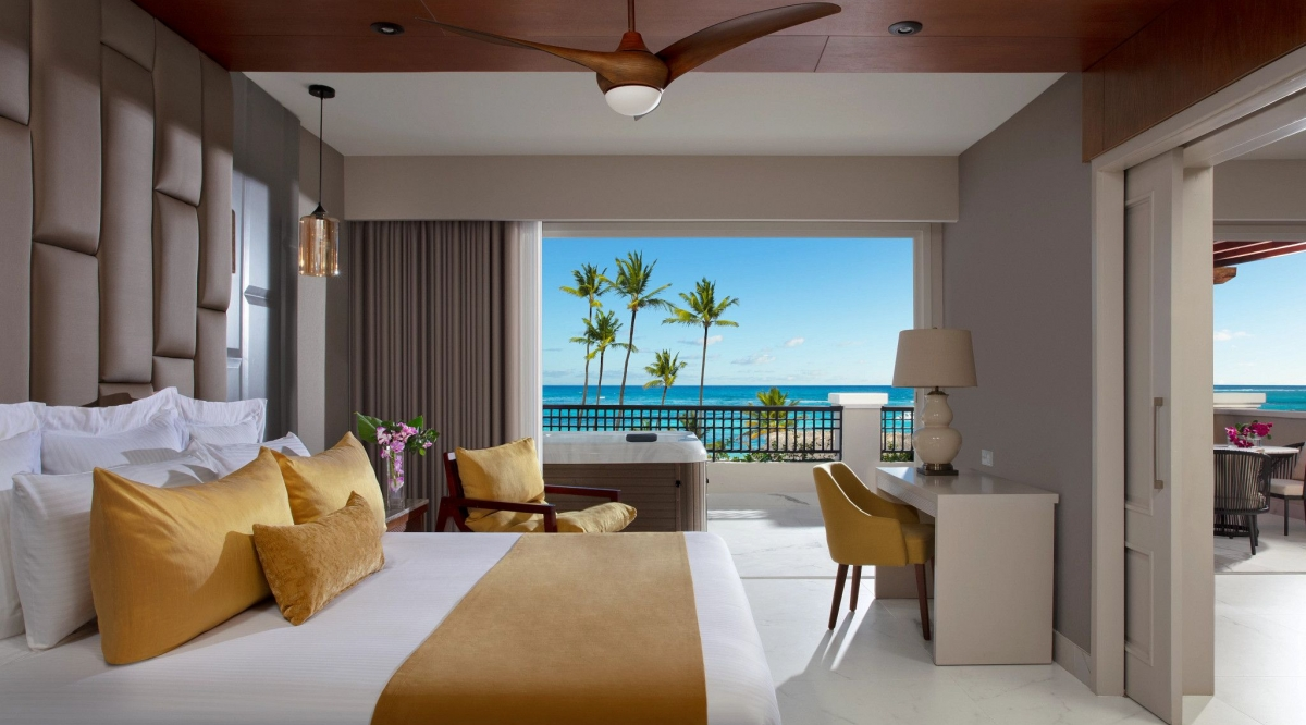Preferred Club Master Suite Ocean Front Secrets Royal Beach Punta Cana