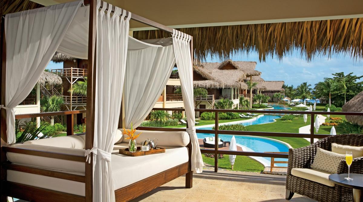 Romantic Junior Suite Pool View Zoetry Agua Punta Cana