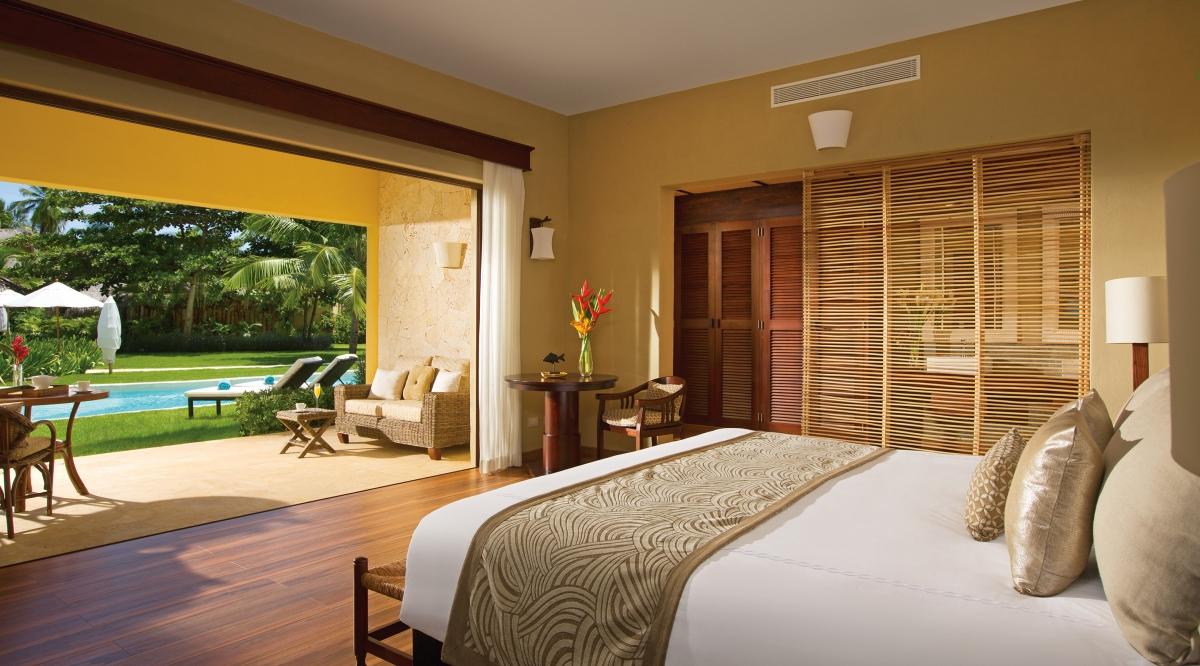 Romantic Junior Suite Agua Swim Up Zoetry Agua Punta Cana