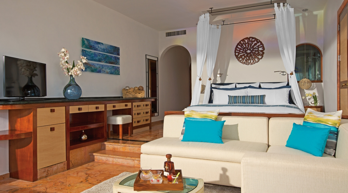 Junior Suite Ocean Front Zoetry Villa Rolandi Isla Mujeres