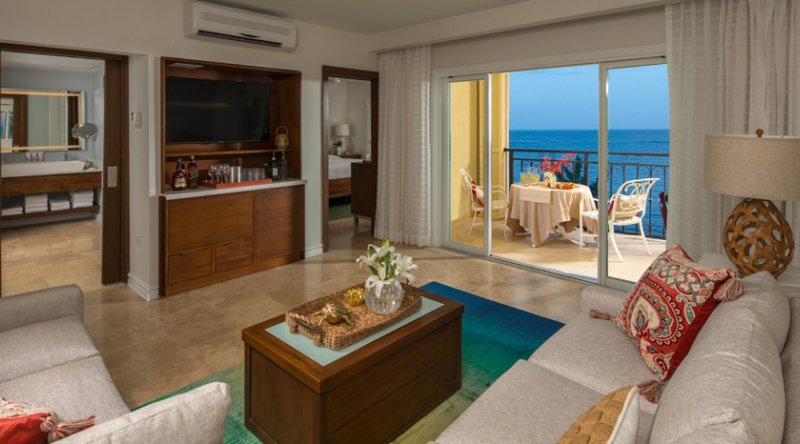 Italian Beachfront One Bedroom Butler Suite - Sandals South Coast