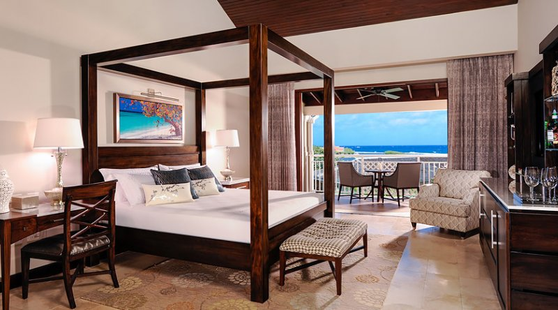 Romeo & Juliet Butler Suite with Balcony Tranquility Soaking Tub - Sandals Royal Caribbean