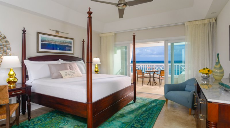 Windsor Beachfront Club Level Room with Balcony Tranquility Soaking Tub - Sandals Royal Caribbean