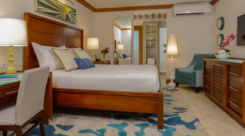 Caribbean Luxury Honeymoon - Sandals Negril