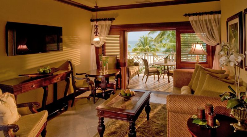Crystal Lagoon Honeymoon Beachfront Penthouse One Bedroom Butler Suite - Sandals Negril
