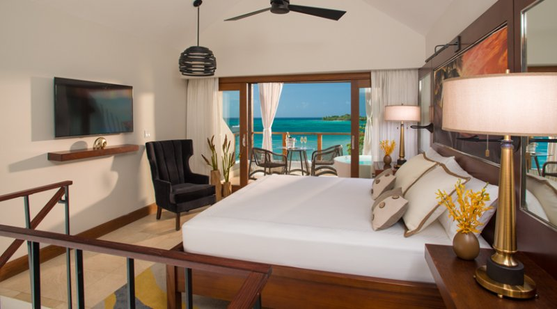 Caribbean Honeymoon Beachfront Two Story One Bdrm. Butler Loft Suite w/Tranquility Soaking Tub - Sandals Negril