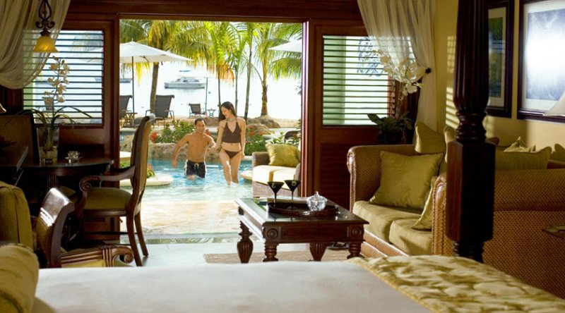 Swim up Crystal Lagoon Beachfront One Bedroom Butler Suite  - Sandals Negril