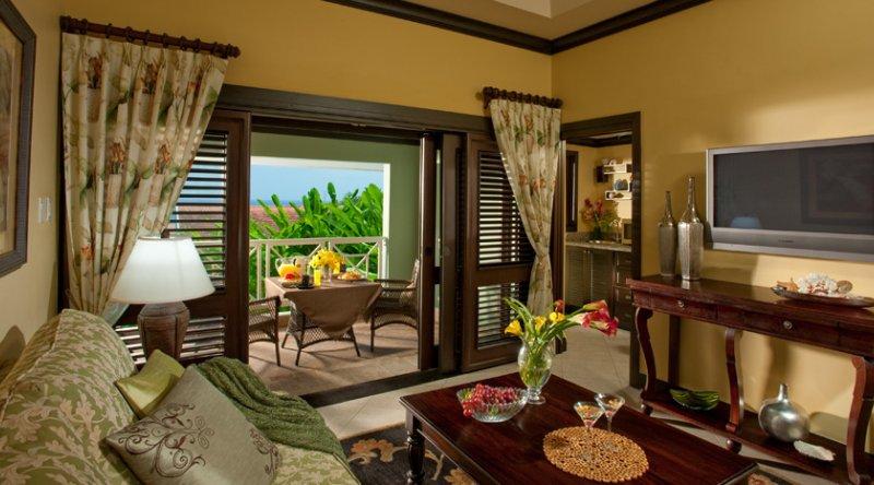 Butler Village Honeymoon Oceanview One Bedroom Poolside Villa Suite - Sandals Ochi