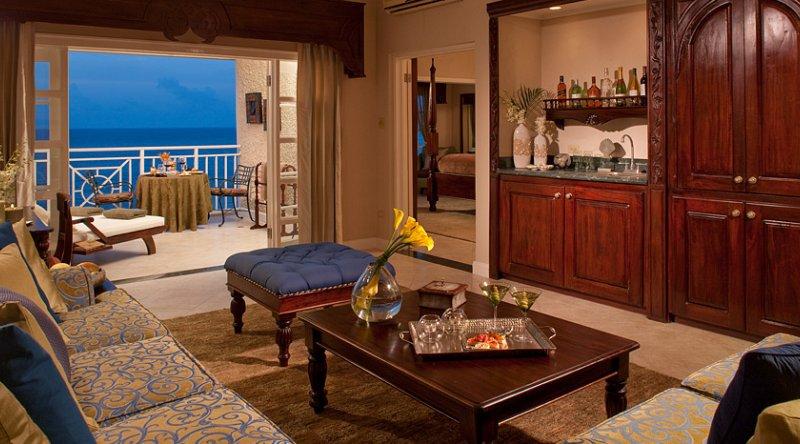 Riviera Beachfront One Bedroom Butler Suite - Sandals Ochi