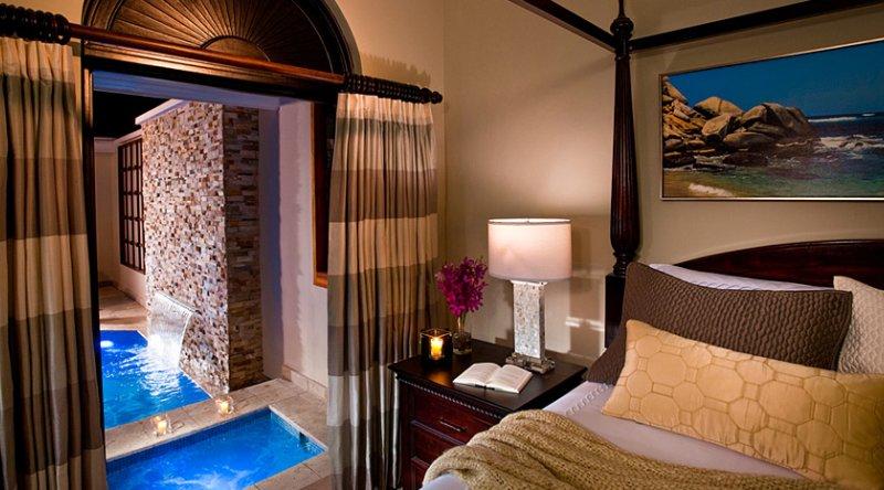 Butler Village Honeymoon Romeo & Juliet One Bedroom Villa Suite with Private Pool Sanctuary - Sandals Ochi