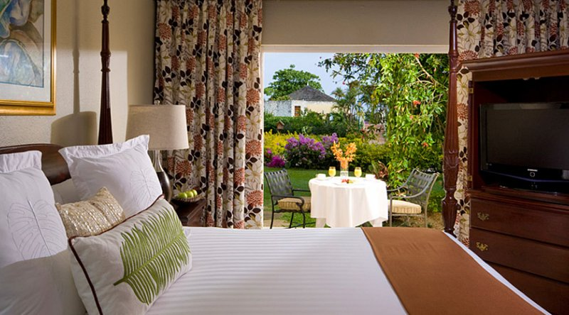 Caribbean Luxury Walkout Room - Sandals Montego Bay