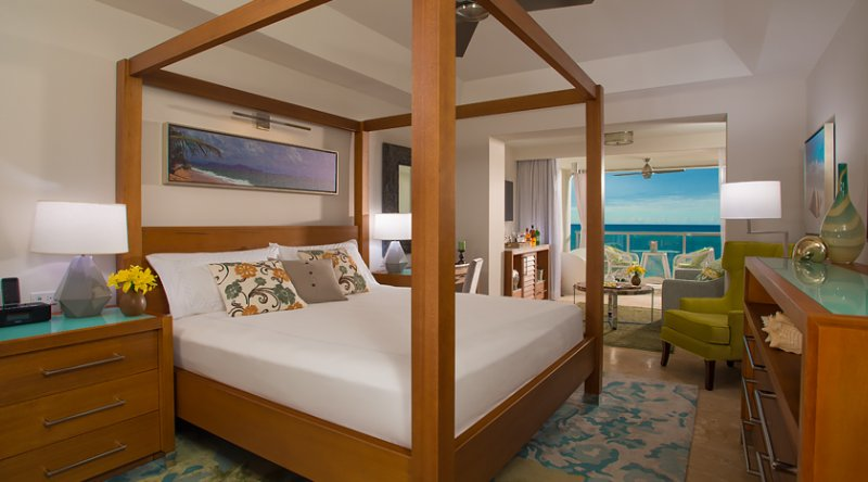 Beachfront One-Bedroom Butler Suite w/Tranquility Soaking Tub - Sandals Montego Bay
