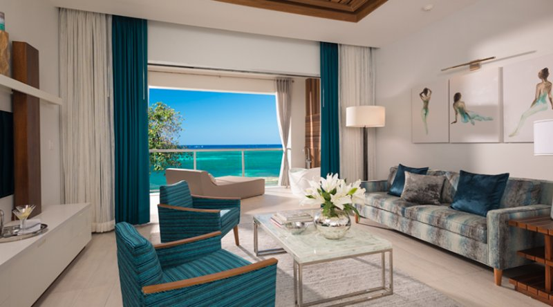 Beachfront Millionaire One-Bedroom Butler Suite w/ Tranquility Soaking Tub - Sandals Montego Bay