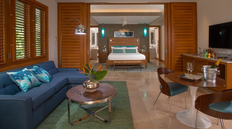 Beachfront Romeo & Juliet One-Bedroom Butler Villa Suite with Outdoor Tranquility Soaking Tub - Sandals Montego Bay